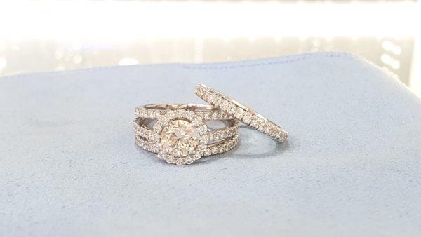 Round Brilliant Halo Engagement Ring & Wedding Ring (Bridal Set)