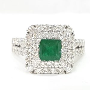 Natural Emerald Stone Diamonds Ring