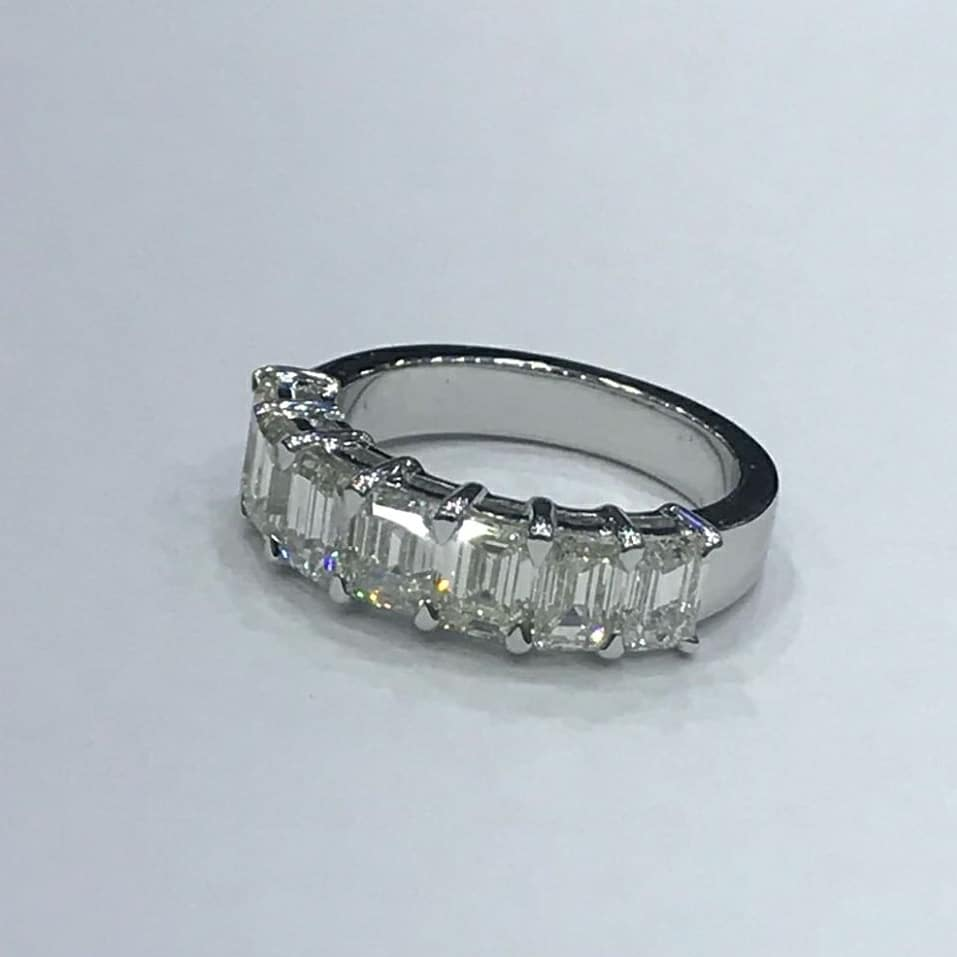 This is a picture of Emerald-Cut Diamond Wedding Band