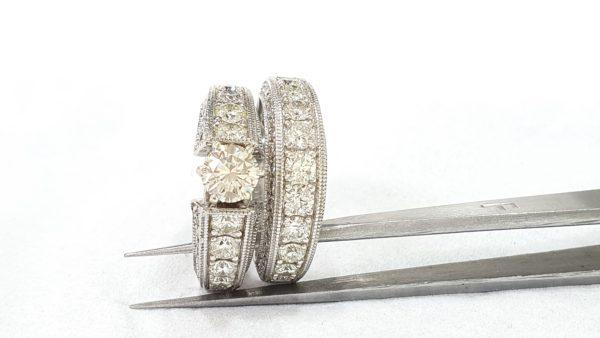 Round Brilliant Engagement Ring & Wedding Ring (Bridal Set)