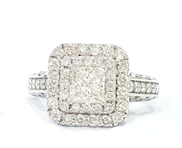 PRINCESS CUT DIAMOND HALO SETTING ENGAGEMENT RING