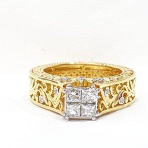 INVISIBLE SET PRINCESS CUT DIAMOND ENGAGEMENT RING