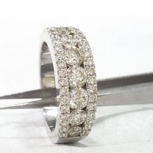 Round Diamond Wedding Band Ring