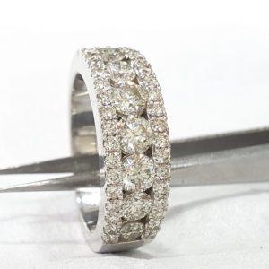 Round Diamond Wedding Band Ring